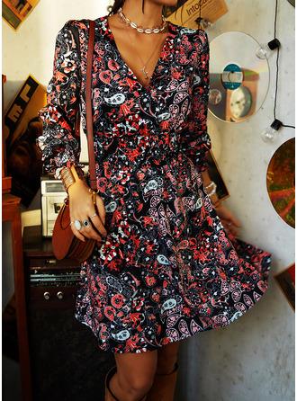 Blommig Print A-linjeklänning Långa ärmar Mini Fritids skater Modeklänningar