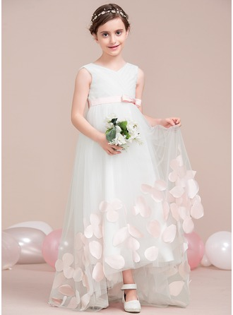 A-Line/Princess V-neck Asymmetrical Tulle Junior Bridesmaid Dress With Flower(s) Bow(s)