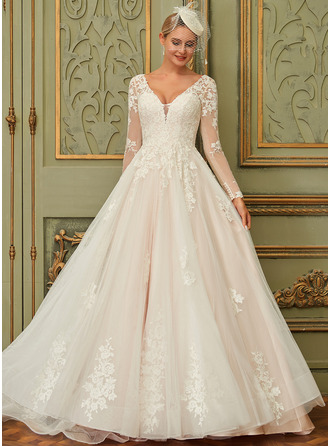 Ball-Gown/Princess V-neck Court Train Tulle Lace Wedding Dress