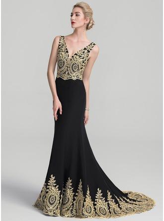 Trumpet/Mermaid V-neck Sweep Train Satin Prom Dress