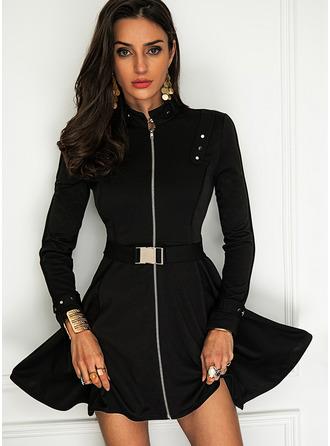 Couleur Unie Robe trapèze Manches Longues Mini Petites Robes Noires Élégante Patineur Robes tendance