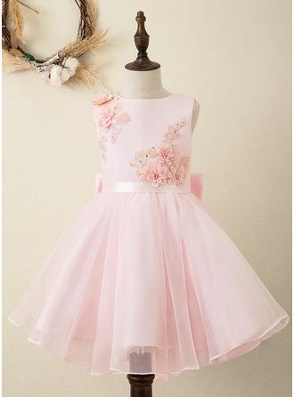 Áčkové Šaty Po kolena Flower Girl Dress - Organza/Satén/Krajka Bez rukávů Scoop Neck S Šerpy/Květiny/Luk (Nedělitelná křídla)