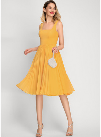 A-Line Square Neckline Knee-Length Chiffon Bridesmaid Dress With Pleated