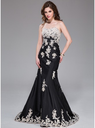 Trumpet/Mermaid Sweetheart Sweep Train Taffeta Evening Dress With Appliques Lace