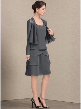 A-Linjainen Square Pääntie Polvipituinen Sifonki Morsiamen äiti-mekko jossa Helmikoristelu Paljetit