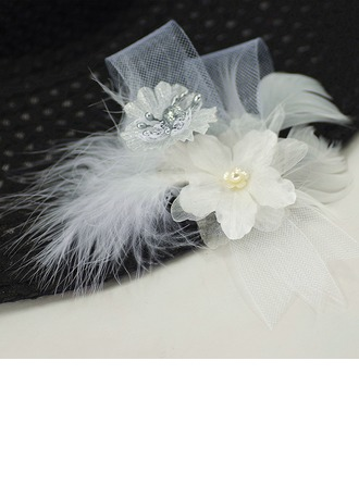 Organza/Feather Boutonniere (Sold in a single piece) -