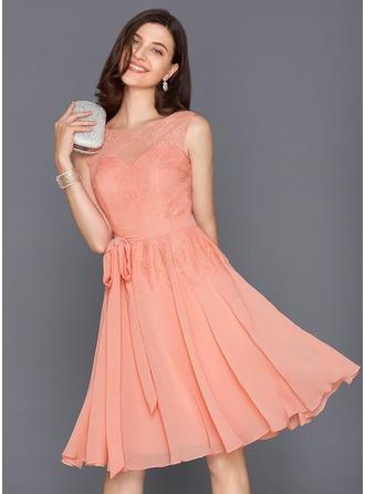 A-Line/Princess Scoop Neck Knee-Length Chiffon Cocktail Dress