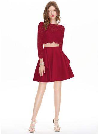 A-Line/Princess Scoop Neck Short/Mini Satin Homecoming Dress