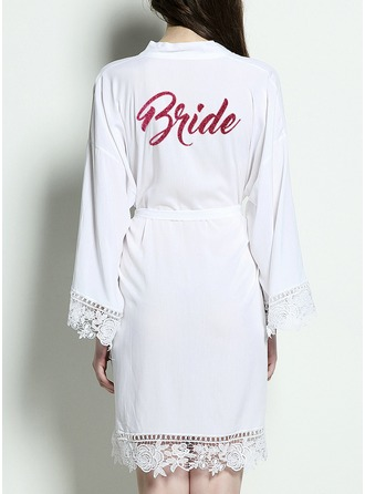 Bruid Katoen Satijnen en kanten gewaden