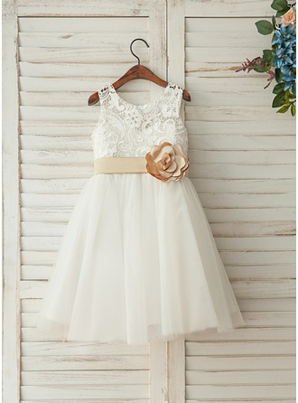 A-Line/Princess Knee-length Flower Girl Dress - Satin/Tulle/Lace Sleeveless Scoop Neck With Flower(s)/Bow(s)