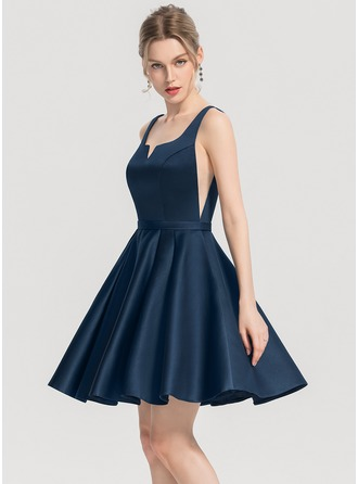 A-Line Square Neckline Short/Mini Satin Homecoming Dress With Pockets