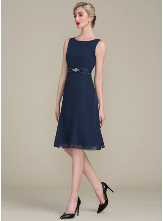 A-Line/Princess Scoop Neck Knee-Length Chiffon Cocktail Dress With Ruffle Lace Beading Sequins