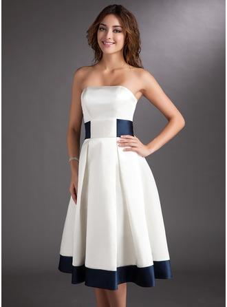 Corte A/Princesa Estrapless Hasta la rodilla Satén Vestido de novia con Fajas Lazo(s)