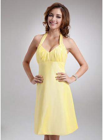 A-Line/Princess Halter Knee-Length Taffeta Bridesmaid Dress With Ruffle Bow(s)