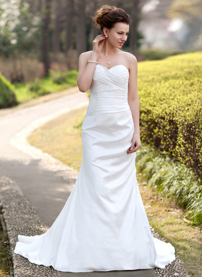 Trumpet/Mermaid Sweetheart Court Train Taffeta Wedding Dress With Ruffle