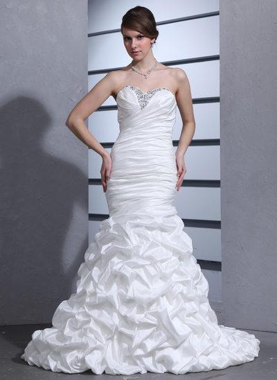 Trumpet/Sjöjungfru Hjärtformad Court släp Taft Bröllopsklänning med Rufsar Pärlbrodering