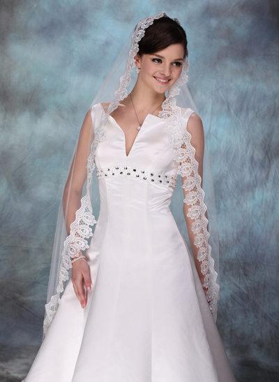 One-tier Waltz Bridal Veils With Lace Applique Edge
