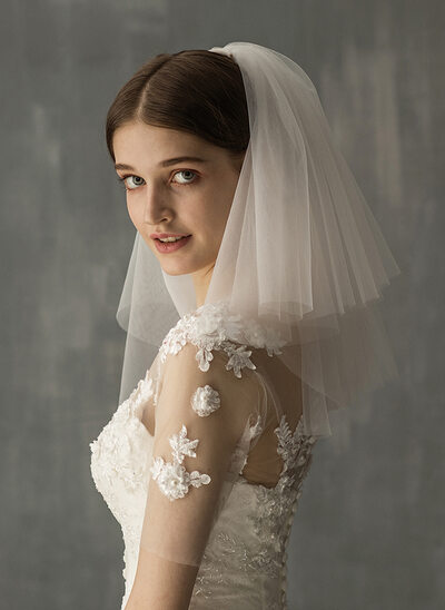 Two-tier Cut Edge Shoulder Veils