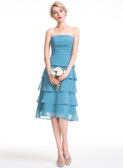 A-Lijn/Prinses Strapless Knie-Lengte De Chiffon Bruidsmeisjes Jurk met Roes