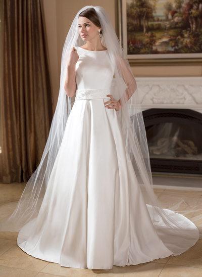 A-linjeformat Rund-urringning Chapel släp Satäng Bröllopsklänning med Pärlbrodering