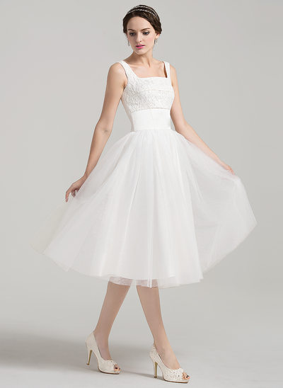 A-Line/Princess Square Neckline Knee-Length Tulle Lace Wedding Dress