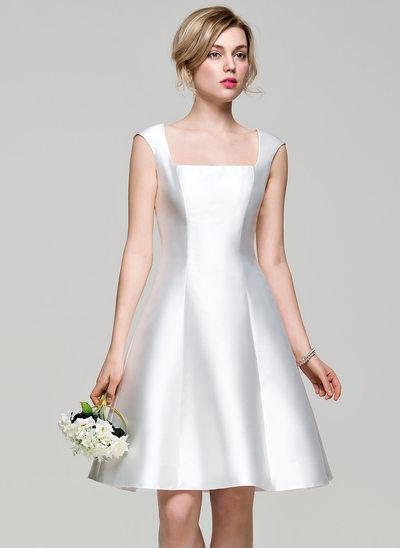 A-Line/Princess Square Neckline Knee-Length Satin Bridesmaid Dress