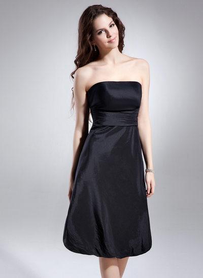 A-Line/Princess Strapless Knee-Length Taffeta Homecoming Dress With Ruffle