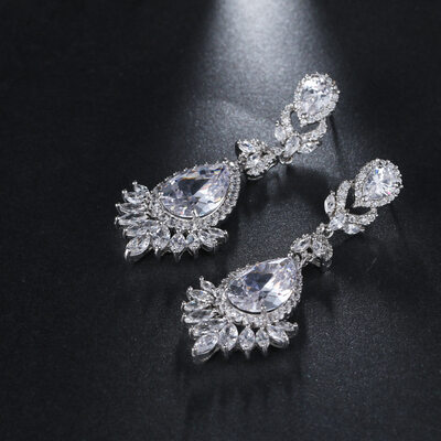 Ladies' Elegant Zircon Cubic Zirconia Earrings For Bride/For Bridesmaid/For Mother