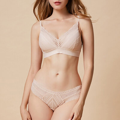 Attractive Chinlon Nylon Full Coverage Bra Sets