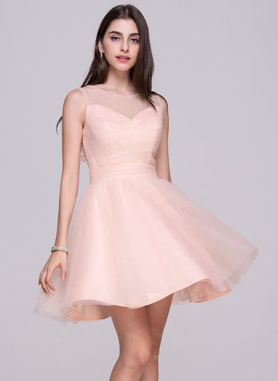 A-Line/Princess Scoop Neck Short/Mini Tulle Homecoming Dress With Ruffle Beading Flower(s) Sequins Bow(s)