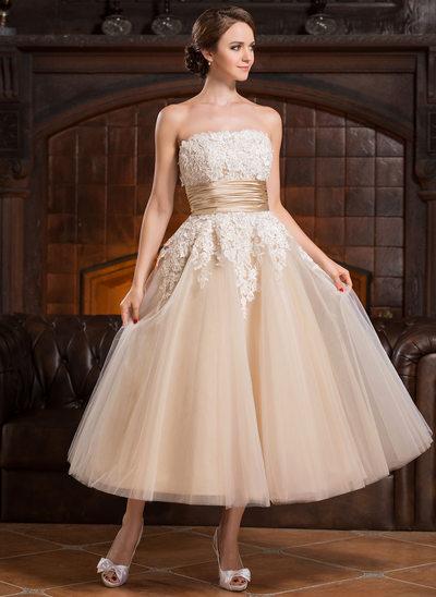 Balklänning Axelbandslös Tea-lång Tyll Bröllopsklänning med Beading Applikationer Spetsar Paljetter