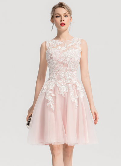 A-Line/Princess Scoop Neck Knee-Length Tulle Cocktail Dress With Appliques Lace