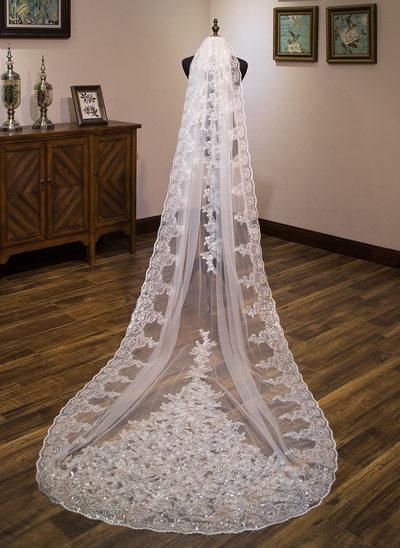 One-tier Lace Applique Edge Chapel Bridal Veils With Lace