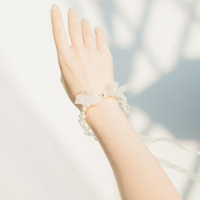 Brudepike Gaver - Fascinerende Legering Silke Imitert Perle Håndled Corsage