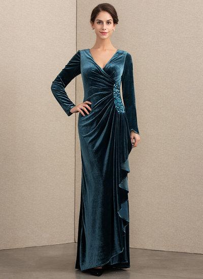 A-Linie/Princess-Linie V-Ausschnitt Bodenlang Samt Kleid für die Brautmutter mit Perlstickerei Pailletten Gestufte Rüschen