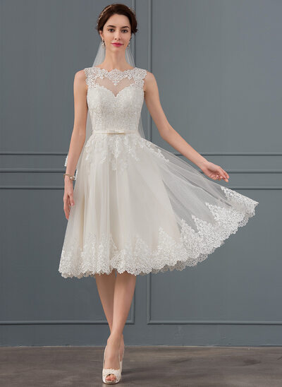 A-Line Scoop Neck Knee-Length Tulle Wedding Dress With Bow(s)