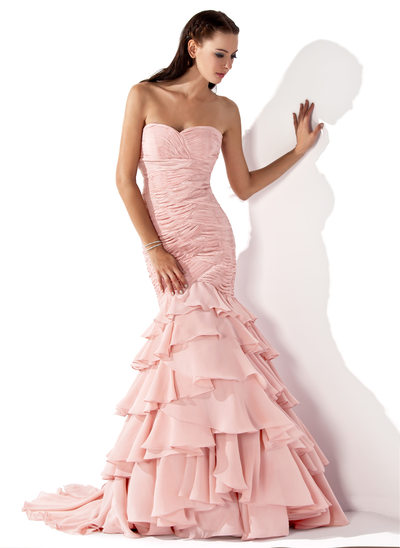 Trumpet/Mermaid Sweetheart Sweep Train Chiffon Evening Dress With Cascading Ruffles