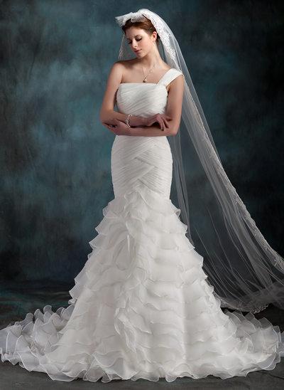 Trumpet/Sjöjungfru One-Shoulder Chapel släp Organzapåse Bröllopsklänning med Svallande Krås