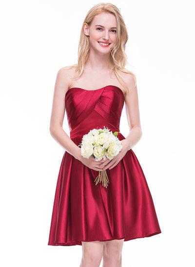 A-Line/Princess Sweetheart Knee-Length Satin Bridesmaid Dress With Ruffle