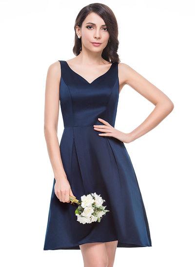 A-Line/Princess V-neck Knee-Length Satin Bridesmaid Dress