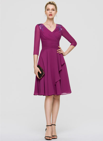 A-Line V-neck Knee-Length Chiffon Cocktail Dress With Ruffle Lace Sequins