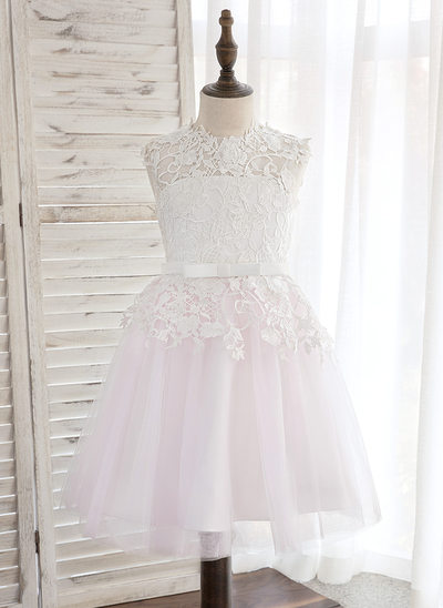 Knee-length Flower Girl Dress - Tulle/Lace Sleeveless Scoop Neck With Bow(s)