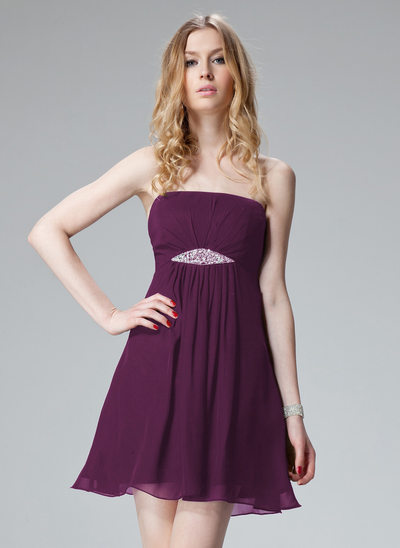 A-Line/Princess Strapless Short/Mini Chiffon Holiday Dress With Ruffle Beading