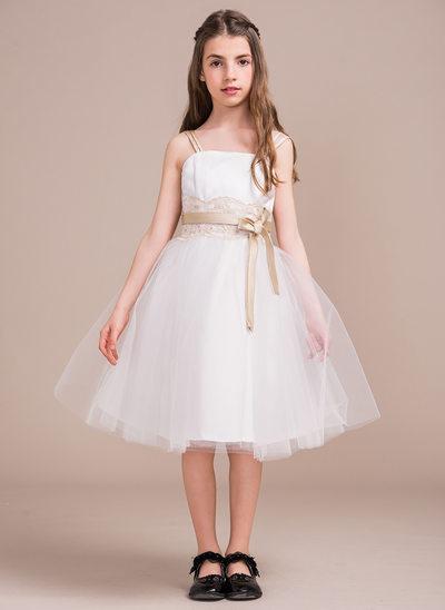 A-Line/Princess Square Neckline Knee-Length Tulle Junior Bridesmaid Dress With Lace Appliques Lace Bow(s)