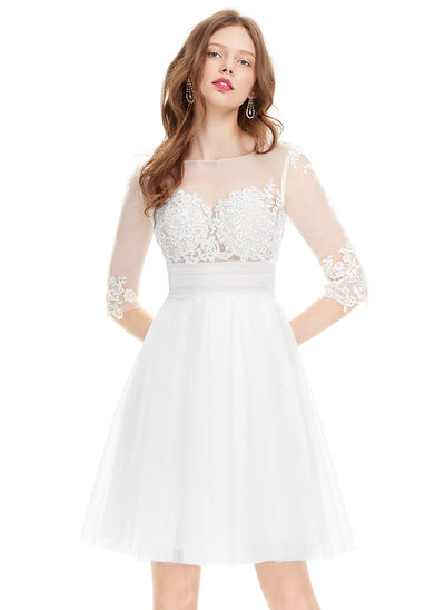A-Line/Princess Scoop Neck Knee-Length Tulle Cocktail Dress With Ruffle Beading Sequins