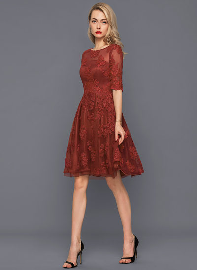 A-Line/Princess Scoop Neck Knee-Length Tulle Lace Cocktail Dress
