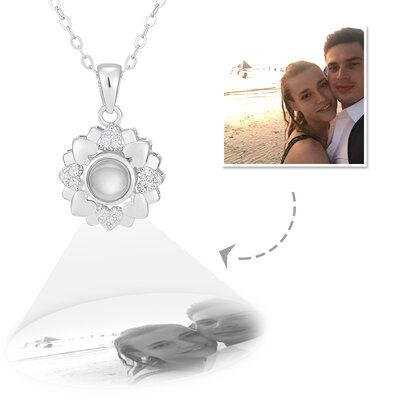 Personalisiert Sterling Silber Kreis Projektion Foto-Halskette mit Vier Kleine Herzen - Muttertagsgeschenke
