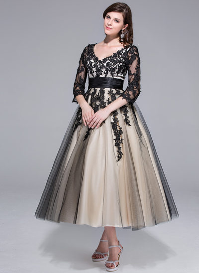 De baile Decote V Comprimento médio Charmeuse Tule Vestido de noiva com Pregueado Apliques de Renda