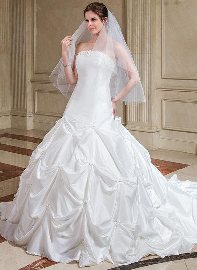 Balklänning Axelbandslös Domkyrkan Tåg Taft Bröllopsklänning med Rufsar Blomma (or)