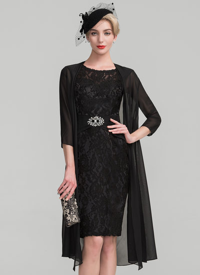 Sheath/Column Scoop Neck Knee-Length Lace Mother of the Bride Dress With Ruffle Beading Flower(s)
